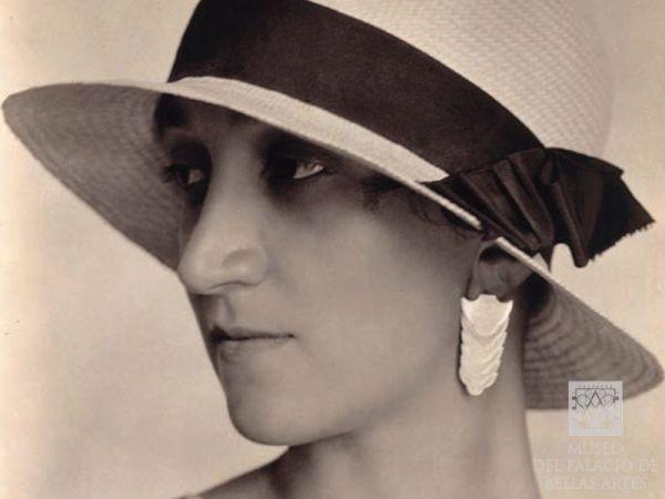 Antonieta-Rivas-Mercado-1
